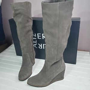 Naturalizer Gemini taupe suede wedge boots